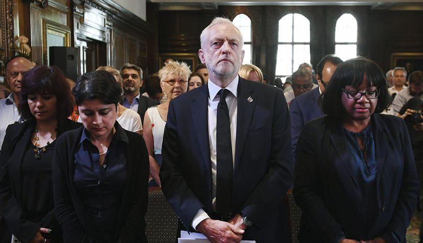 """Jeremy Corbyn: """"El Laborismo 'revertirá' los recortes en la policía para combatir el terrorismo"""""""
